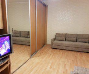 1 — комнатные апартаменты на Генерала Озерова 8